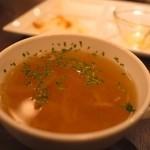 ブラッスリーローリエ - オニオンスープ(食べ放題)。ポタージュも食べ放題