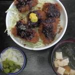 田中屋 - マグロかつ丼(真上)