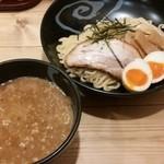 宮本 - 濃厚魚介つけ麺¥700(半玉サービス・¥50相当)