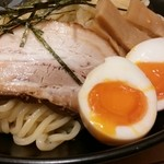 宮本 - チャーシューと半熟味玉