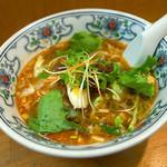 潤 - 「担々麺」(700円)。キレイなヴィジュアルの担々麺です。