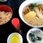 水月 - しじみ飯とうどんのセット