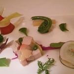 25869938 - 前菜 (左上)紅芯大根と雪うるい (上)こごみ、ヤーコン (右上)ロメインレタス、チーズソース (左)シマアジとサーモンのマリネ (中前)フォアグラと信玄鳥のスモーク (右前)黒大根と空豆