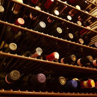 ワインは常備120種類以上