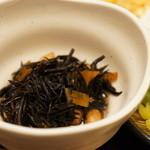 魚彩炭火ダイニング 一志 - 小鉢は、ひじき(2014.4.4)
