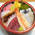 紀八寿司 - 並ちらし