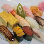 紀八寿司 - おまかせにぎり12貫 2980円