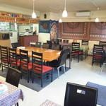 インド キッチン - 全40席。10人用大テーブルあり。