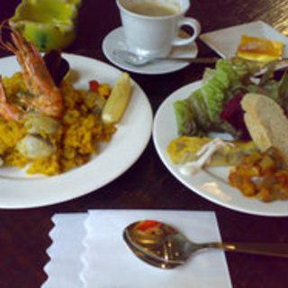 今日のランチはお得にスペイン料理を楽しみませんか?