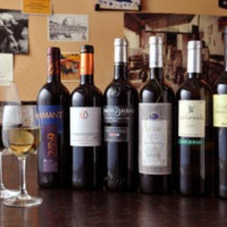 当店のワインは全てスペイン産!おすすめグラスワインもご用意!