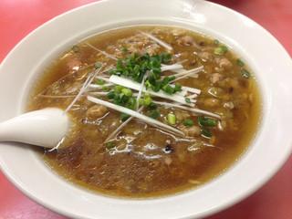 大新 鎌倉店 - 看板メニューの大新ラーメン。熱い生姜の効いた肉みそのあんにやけど注意!