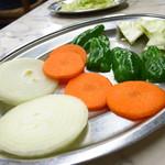 つるや - ジンギスカンに付く野菜