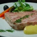 お肉とワイン 関内ビストロ ZIP - ボリューム満点で人気のパテ ド カンパーニュ
