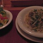 希林 - H26.4.4 バジルソースのホタテとベーコンパスタ(650円:サラダ付)