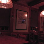 希林 - 店内左側のテーブル席