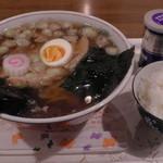らふ - 料理写真:H26.4.4 醤油ラーメン(ライス付)600円