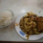 25897371 - 日替定食B:回鍋肉(豚肉とキャベツ辛子みそ炒め)600円