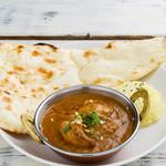 神戸Aarti - インドカレーとナン、ライスも味わえる!