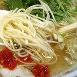 あたり屋 - 「小倉鶏そば」麺と柚子胡椒