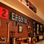 鉄道居酒屋 LittleTGV - 実際に使われた電車のアイテムを展示しています。