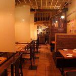 Pizza Bar Pecco - ☆入り口から見た感じです☆