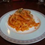 リストランテ ベニーノ - 渡りガニのトマトクリームソース タリアテッレ