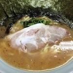 心家 - ラーメン(並・600円)・のり増し(100円)