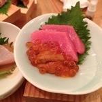 浪花ろばた 頂鯛 北新地店 - 頂鯛定食(1000円)中トロ・うに・いくら