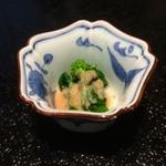 25917992 - 菜の花は、春の食材なんですね。東京、京都、大阪、どこの和食でも、菜の花は出されました。