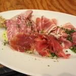野毛ビストロZIP - お肉の前菜盛り合わせ これで780円はすごすぎ