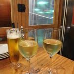 野毛ビストロZIP - 白グラス2種 550円と600円