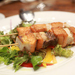 トラットリア ラ ブリアンツァ - サーモンとカジキマグロの串焼き