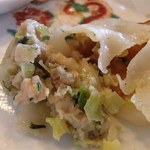 中華飯店青葉 - 肉タップリの餃子です