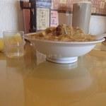 中華飯店青葉 - から揚げ丼(740円)