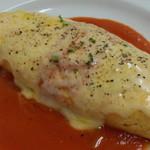 てんしの森 - 料理写真:たっぷりチーズとトマトソースのオムライス