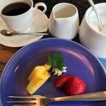 中納言 - フルーツとコーヒー