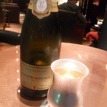 ピュイフォルカ シャンパンバー HERMES 銀座店 - シャンパンはブリュット