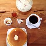 珈琲や - モーニング ホットケーキセット