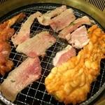 すたみな太郎 - 大きい牛ミノとハラミ。2014.4.4