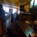 ダブリンルームカフェ - 奥のカウンター席から