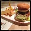 ステーキの神戸屋 - 料理写真:ステーキ神戸屋のマリリンバーガー!高いけどうまーい(〃▽〃)
