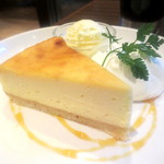 レストランcontact - NYチーズケーキ¥450+バニラアイス¥100