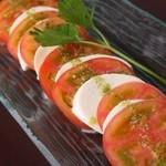 シンプルキッチン - 極上トマトのカプレーゼ