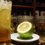 ドルチェ ズッケロ - レモンを使ってカクテル