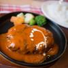 さんびきのこぶた - 料理写真:おおかみランチのトマトソースハンバーグ
