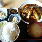 丸金食堂 - 今回は2番人気のサバ味噌煮定食