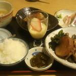 鮮味食彩 宇佐川水産 - 魚定食¥1,100.-他とにかくボリュームがw