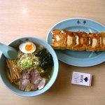 永華 - ラーメンと五個餃子