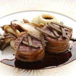アルテリーベ - シャラン産鴨肉のメダイヨン、ぺリグーソース、フレッシュトリュフとともに