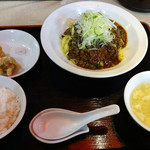 つね川 - 麻婆麺セット